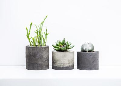 Sada betonových květináčů