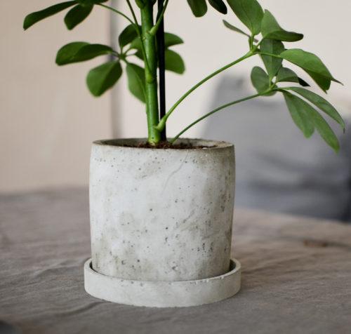 Květináč z betonu