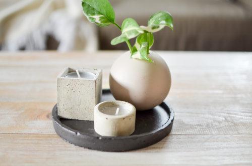 Betonový svícen na čajovou svíčku