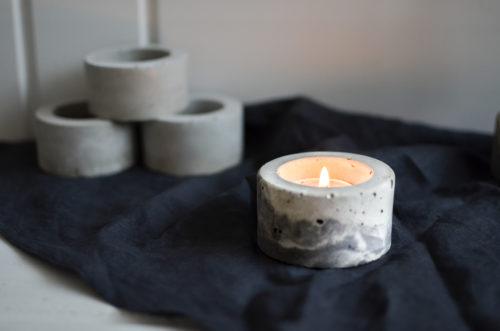 Svícen z betonu kulatý